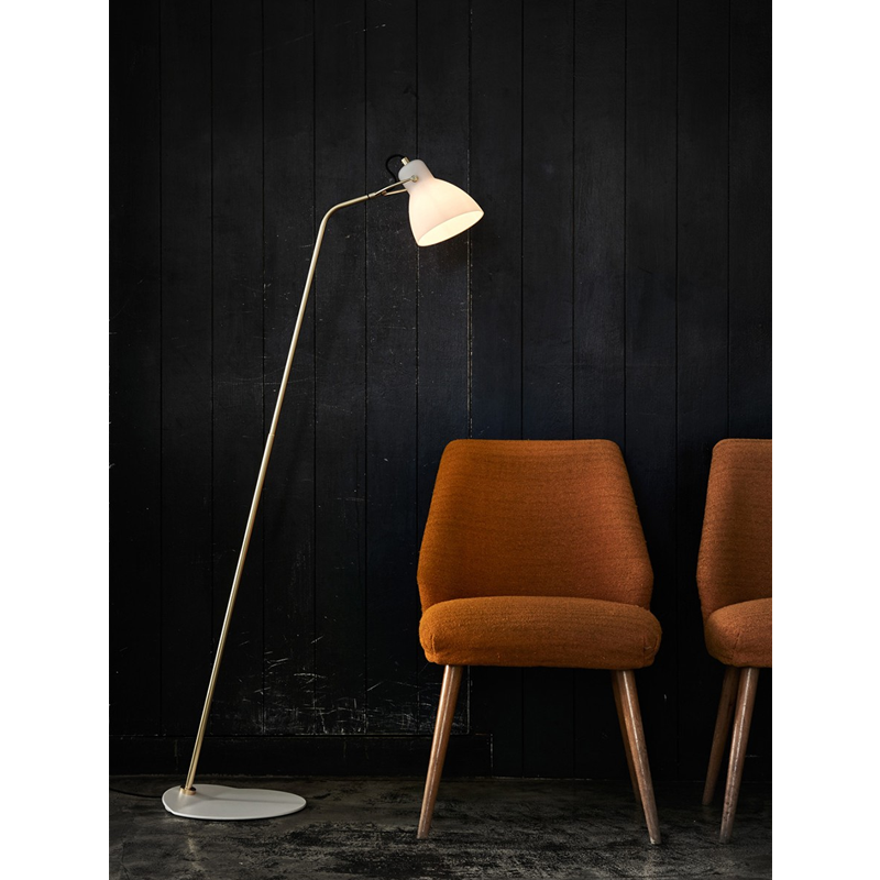 Laito Floor Lamp In Situ