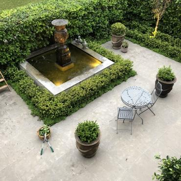 courtyard garden lighting